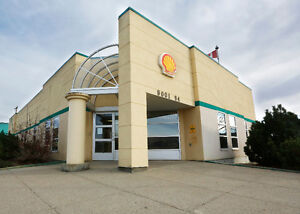 Incredible-Office-Building-on-3-lots-for-lease-Peace River Ab