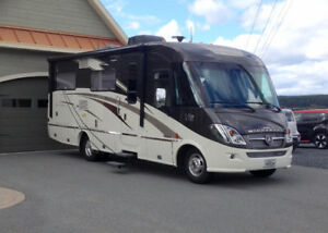 Motorisé 2016 Winnebago VIA 25p * 9000KM *