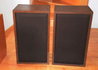 Pair of Good Superior Stereo Home Theater Sound Speakers