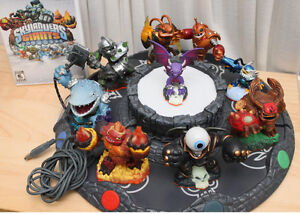 Wii Skylander Giants with Skylanders Battle Arena, Display, CD