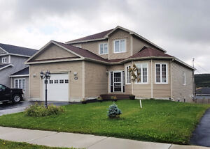 Executive 2-Storey Home w/ Garage– Kenmount Terrace