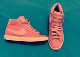 SIZE 5 nike high tops/ trainers