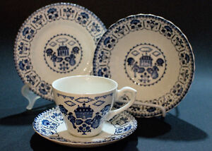 Set of 4 Blue and White china from J&G Meakin Sampler