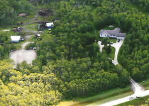 Missing Manitoba? Custom Bungalow / 80 acres horse/hobby farm
