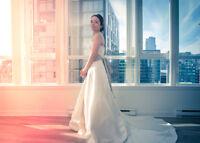 Engagement & Wedding Photogtapher