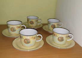 5 Piece Tea/Coffe Set Rare Vintage Made in GDR Porcelain