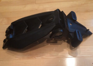 Yamaha Rear fender/mud guard with licence plate holder