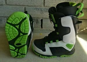 Sims snowboard boots - youth U.S 2.5