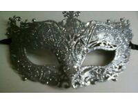 Glitery Mask