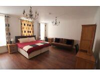 3 bedroom flat in Dean Street, Soho W1D