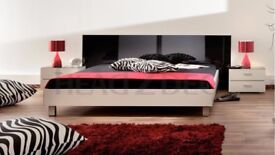 Black & White gloss modern Italian king size bed perfect condition great price! Mattress included!
