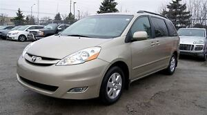 2010 Toyota Sienna LE * LEATHER * POWER SLIDING DOORS