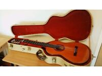 Granada by Gibson Classical guitar with vintage style hard case