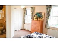 Professionals Ensuite Room in Summertown (BanR1)