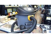 TITAN WET/DRY HOOVER TTB350VAC