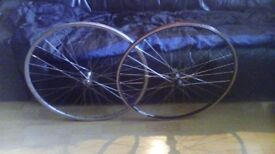 Front and back 700c bike wheels