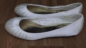 Stunning ivory wedding shoes size 5