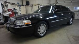 2009 Lincoln Town Car LEATHER, HEATED SEATS
