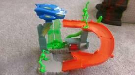 Little Alien Hot Wheels set
