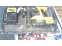 DEWALT DRILL POWER TOOL COMES WITH CASE