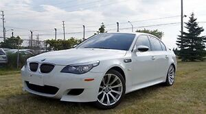 2008 BMW M5 RARE!! 6 SPEED * LOW KMS!! * NAVI