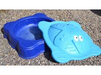 ELC Blue Starfish sand pit with cover/lid