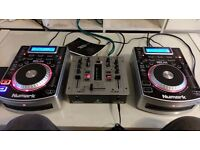2 x Numark NDX 400 CDJ USB MP3 Decks + Behringer Mixer includes robust stainless carry case