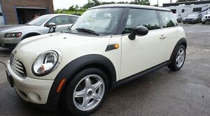 2010 MINI Cooper LEATHER, HEATED SEATS