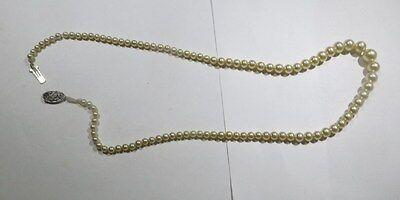Collier ras du cou de perles avec fermeture ancienne  plaquée argent avec zircon