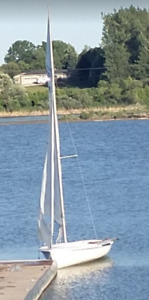 Class 470 Sailboat/Dinghy - Trailer and sails included