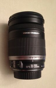 Canon EFS 18-200 IS telephoto lens