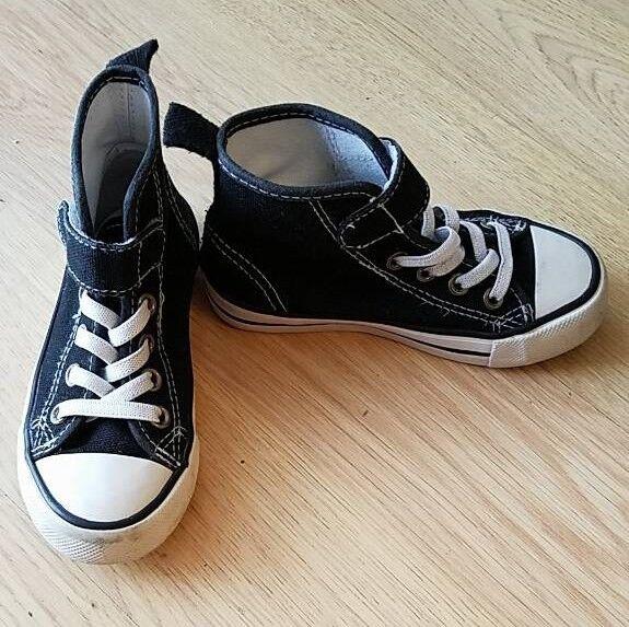 Hm Kids Converse Style Infant Shoes Size 8uk In Cambridge