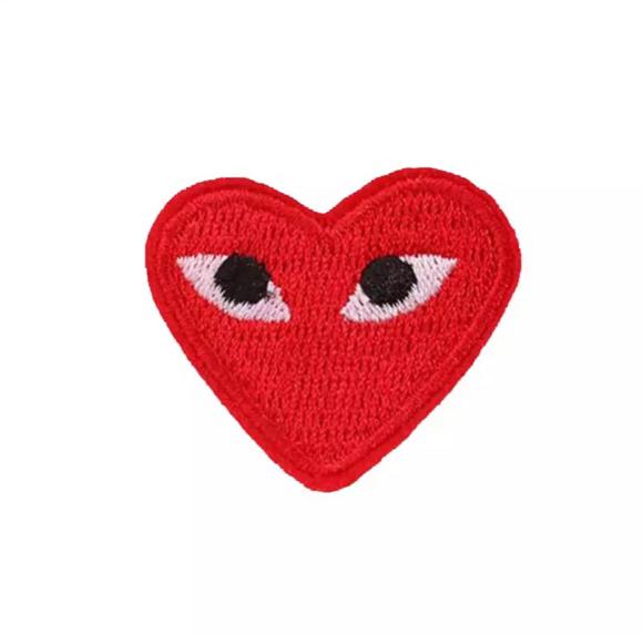 patche écusson transfert coeur rouge comme des garçons patch thermocollant brodé
