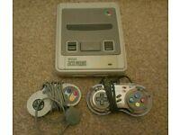 Nintendo Snes console & controllers