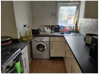 RENT LARGE DOUBLE ROOM FOR SHORT TIME IN EAST HAM