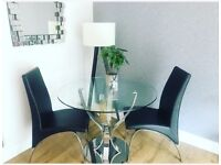 Dining table & 4x chairs