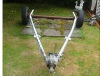 Shortened caravan chassis for fabricating a trailer