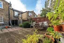 Well presented 1 bed garden flat located a stones throw from Queentown Road station -Peckham