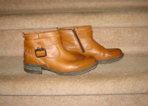Josef Seibel Ankle Boots, Other Footwear, Boots  - size 8.5