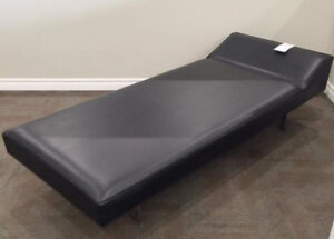 Nurses First Aid and Recovery Couch