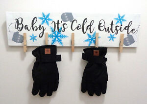 Baby It's Cold Outside Mittens Drying Rack $15 NEW Kingston Kingston Area image 1