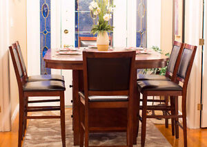 BEAUTIFUL 7pc. Dining / Pub Table Set - GREAT CONDITION