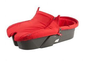Stokke xplory carrycot in red