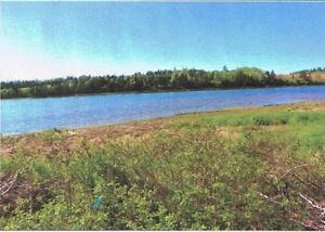 Waterfront lot on the Wheatley River