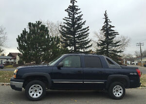 WINTER READY 2004 CHEVROLET AVALANCHE*PICK-UP*4X4. SNOW TIRES