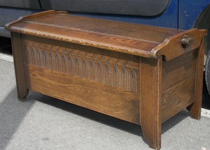 Old charm style oak coffer linen chest or trunk blanket for Housse causeuse linen chest