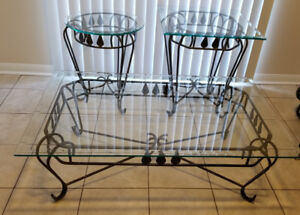 Glass coffee table set - 3  pieces, like new