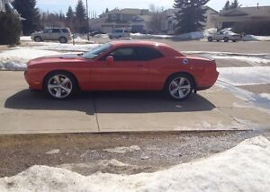2009 Dodge Challenger SRT8 Coupe (2 door)