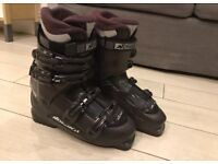 Ladies Nordica Ski Boots size 8, 27-27.5