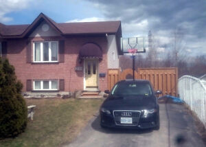 Ideal semi in New Sudbury - REDUCED TO SELL!
